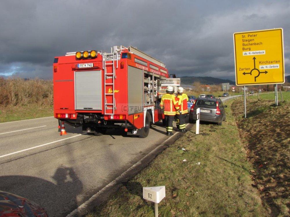 Hilfeleistung - H1 vom 21.12.2012  |  Feuerwehr Kirchzarten (2012)